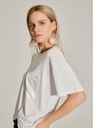 NGSTYLE Saten Cepli Oversize Tişört Beyaz